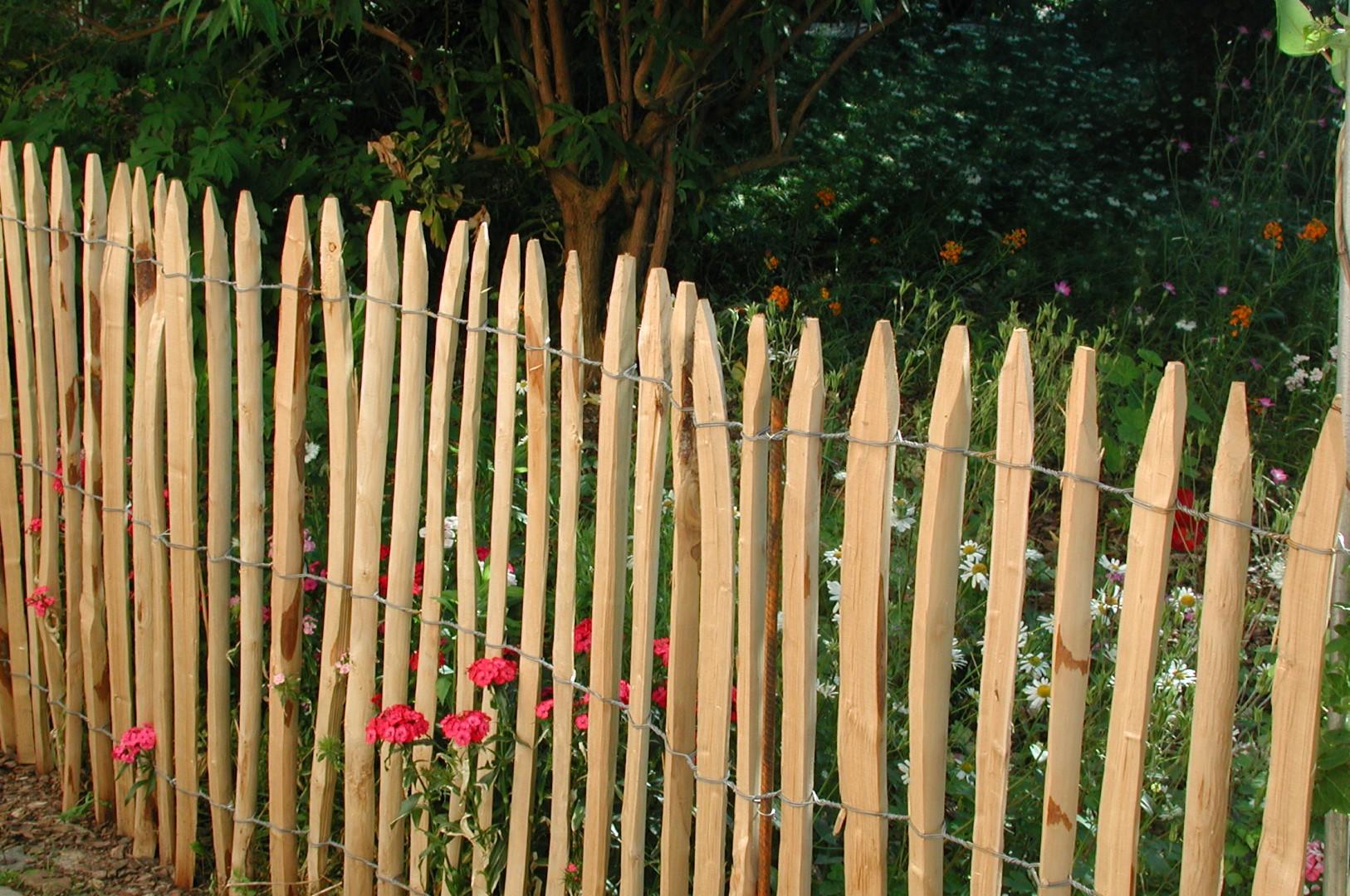 zaun aus französischem kastanienholz